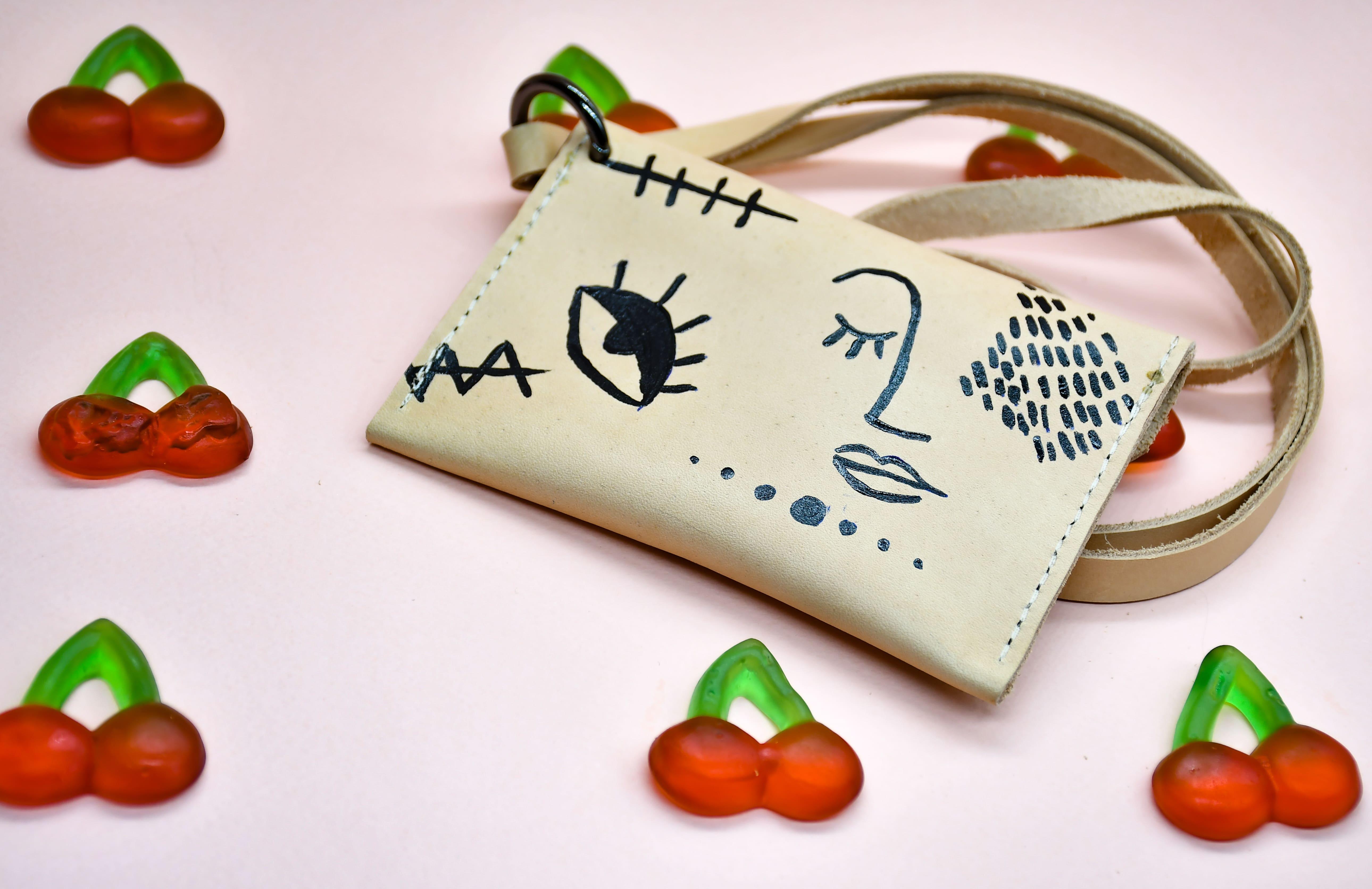 shapes-line art neck wallet 10
