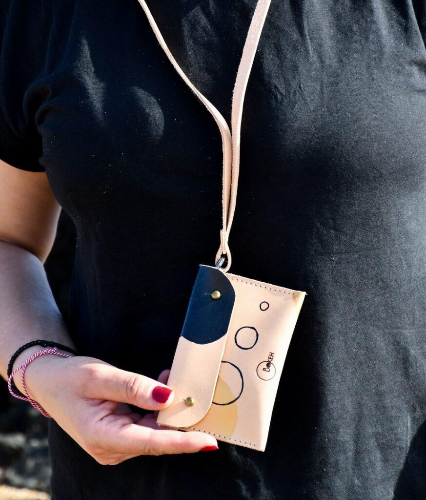 Shapes-gold/black neck wallet 2